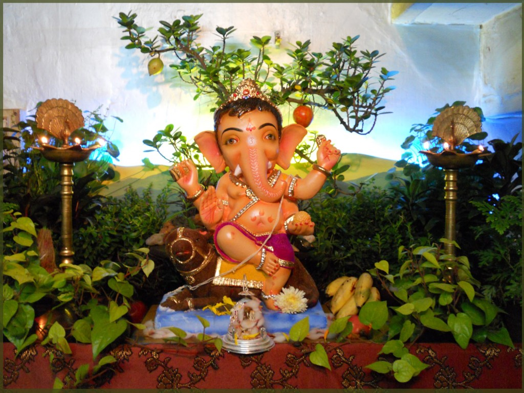 Eco Friendly Ganpati WALLPAPERS. FLOWER DECORATION