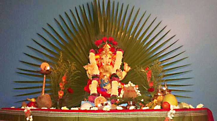 Eco friendly ganpati decoration ideas for home for Background decoration for ganpati