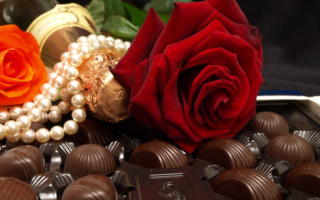 Chocolate-with-flowers-birthday-wishes