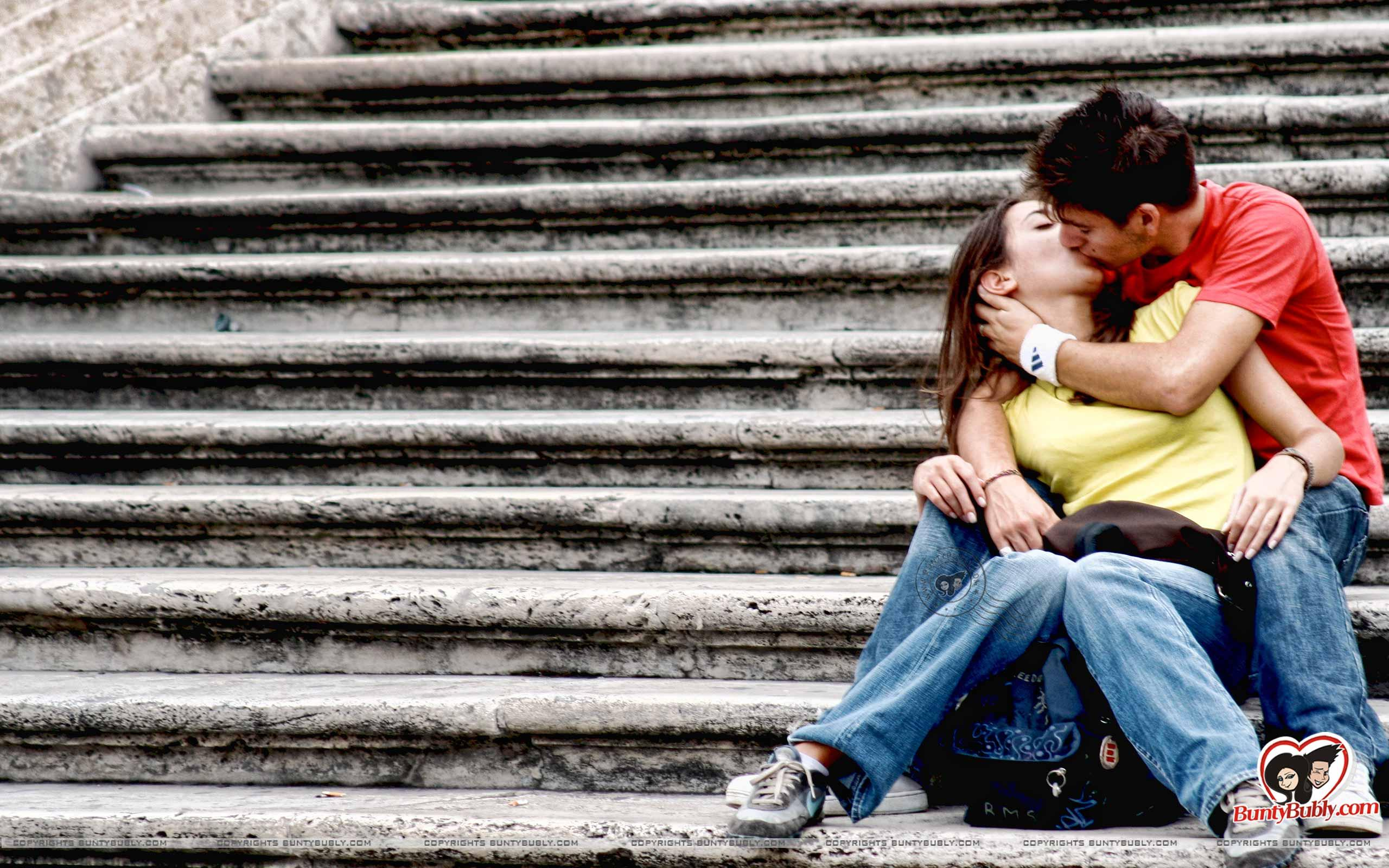 Kiss-Day-2016-Romantic-Status-Happy-Kiss-Day-Facebook-Status-Whatsapp-Messages