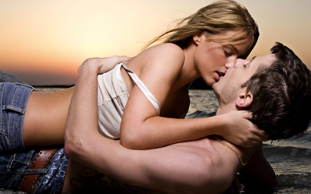 romantic-kissing-scene-wallpaper-hd-free-download-for-facebook-cover
