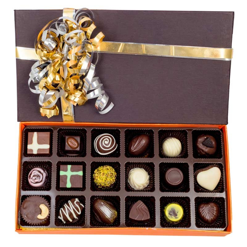 buy-send-Chocolates-onlineVelvet_Fine_Appetizing_Chocolate_Box_-giftease