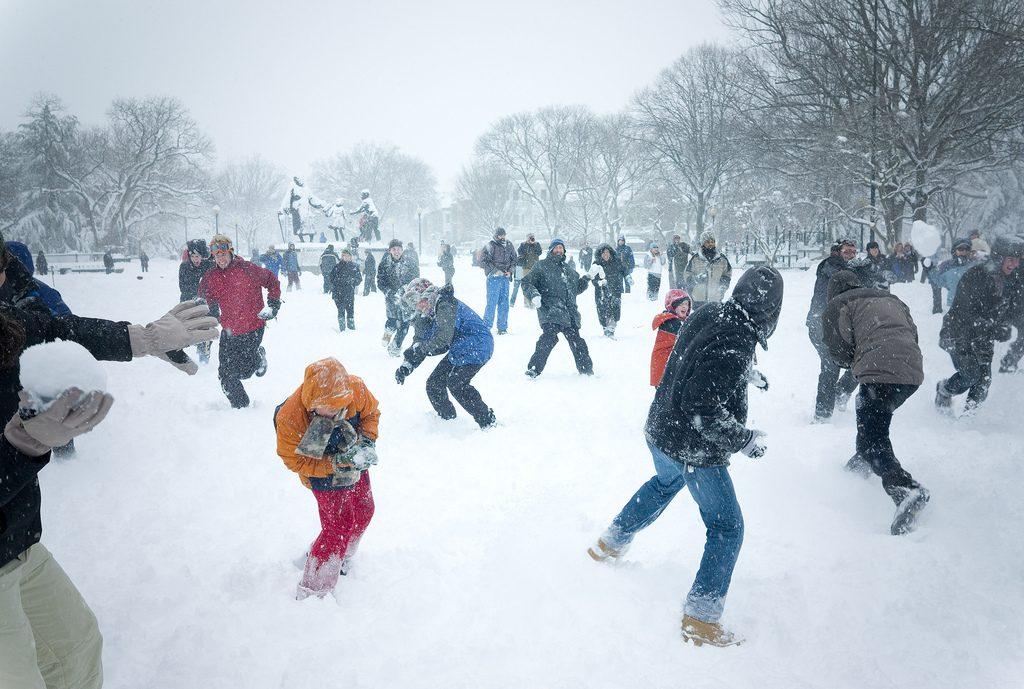 Snowball throw contest-xmas