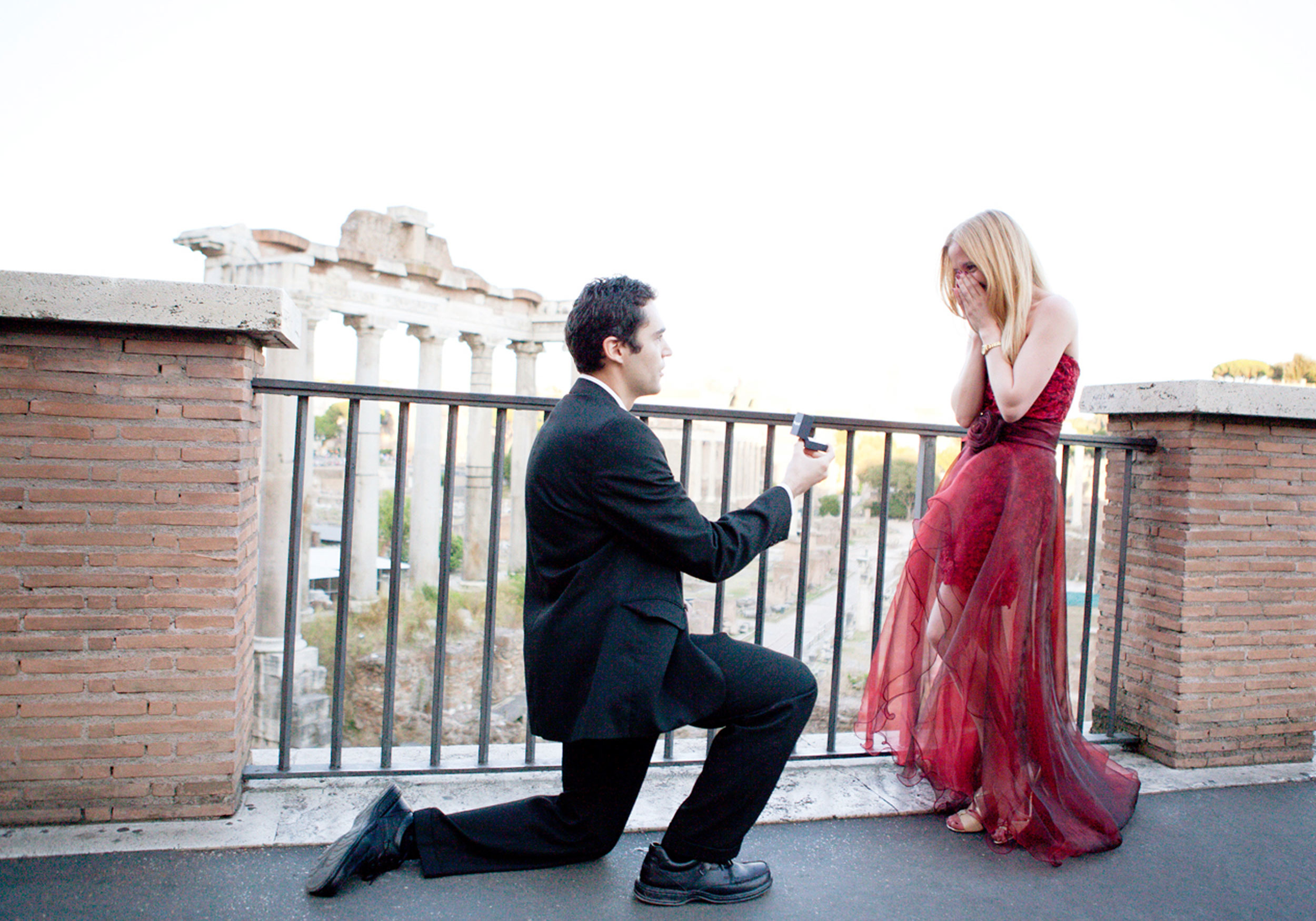 Valentine s day propose lines and romantic love quotes - Boy propose girl with rose image ...