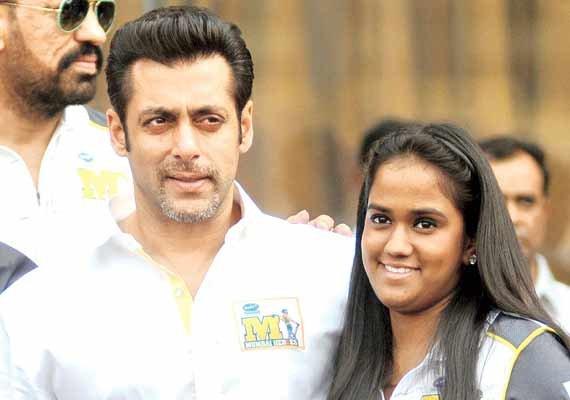Salman and Arpita -Raksha Bandhan Special - Bollywood's real life brothers and sisters