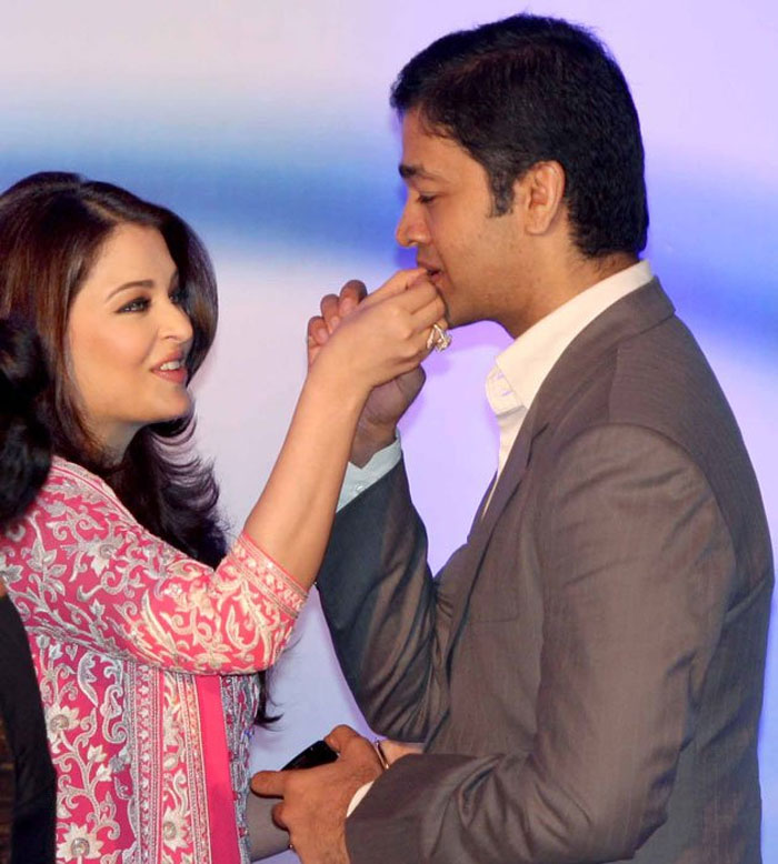 aishwarya-aditya -Happy Raksha Bandhan: Bollywood's famous siblings