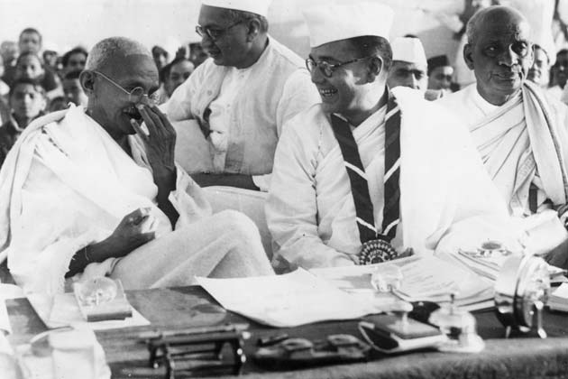 gandhi-15-august-1947-indian independence day photos 1947