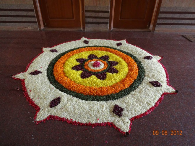 pookalam-white-onam-Onam-Festival-Beautiful-Pookalam-Rangoli-Designs