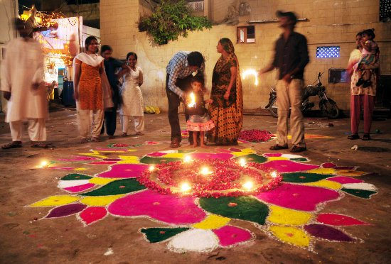 diwali-celebration-in-pakistan-2015
