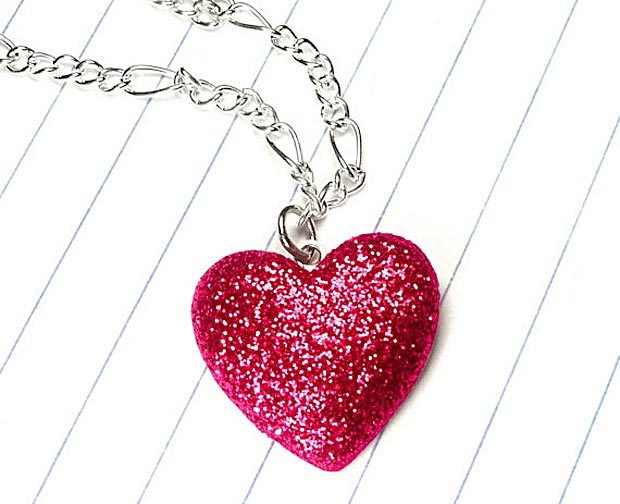 red-color-valentines-day-gift-as-jewelry