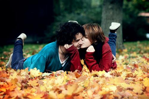 3-to-6-month-relation-couples-dias-melhores-pra-sempre-kiss