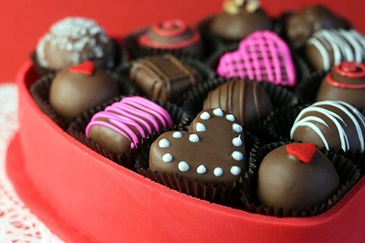 happy-Chocolate-Day-sms-for-facebook