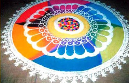 Family-Holi-Rangoli-Design