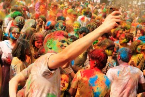 holi celebrated in Maharashtra