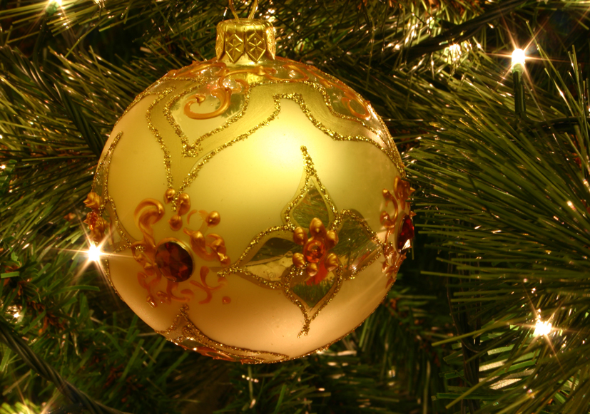 christmas-tree-bauble