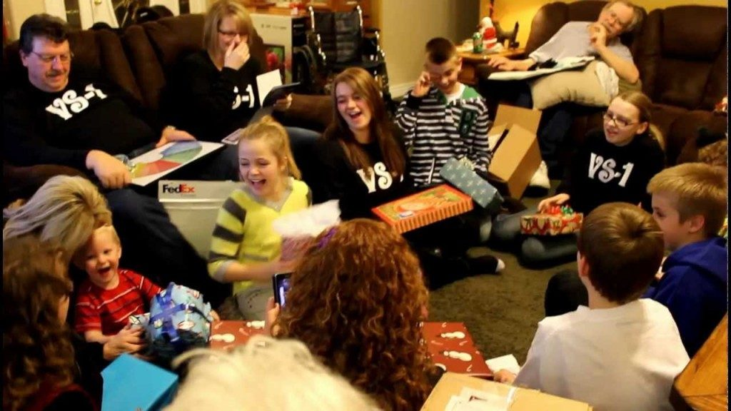 gift-exchange-Christmas Party and Games