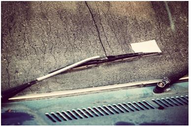 windshield wiper working.
