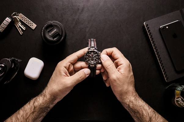 Top 4 Luxury Watches To Wear During Winter